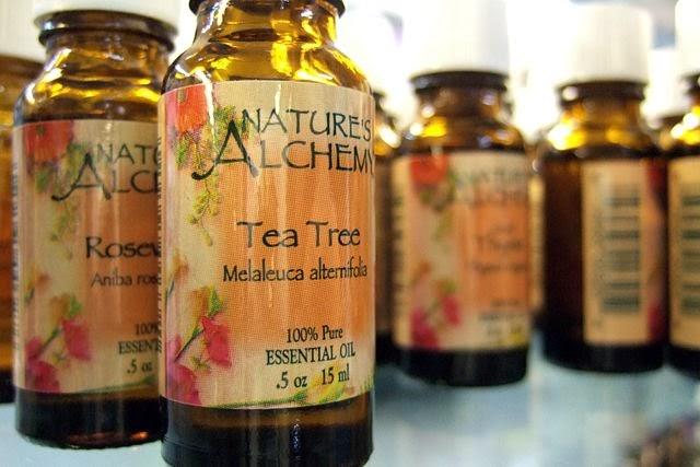 如何用茶树精油去除皮肤藓、伤口和痤疮