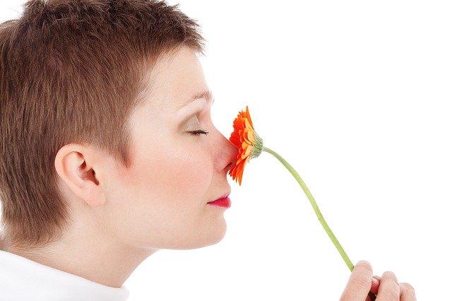10种治疗鼻窦感染的精油及使用方法