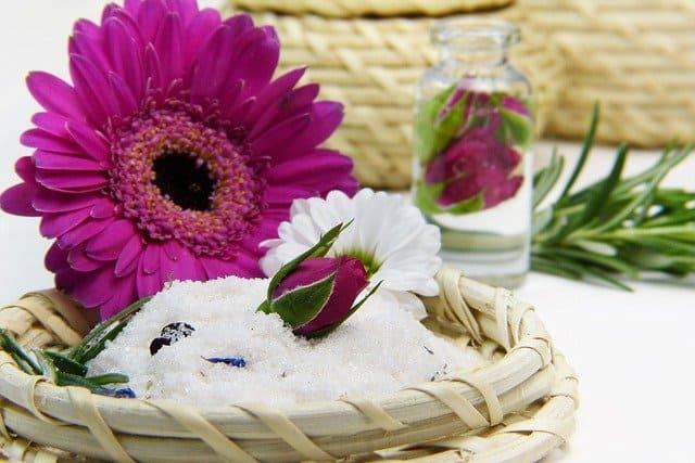 9种对烧伤有用的精油可以帮助你