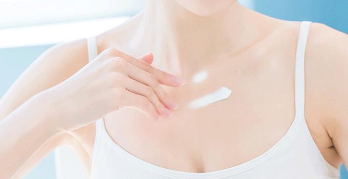 颈部皱纹和皮肤衰老:如何护理?